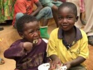 feeding program 2017 africa home of hope homeofhope hoh brian thomson food rice beans hot nutritious