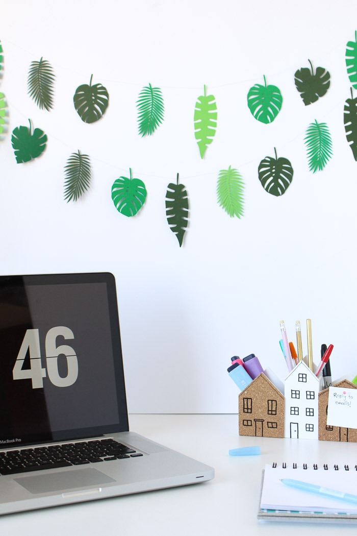 Use this paper leaves template to make a mini botanical garland DIY