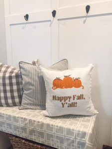 How to Decorate Pillow Covers for Fall