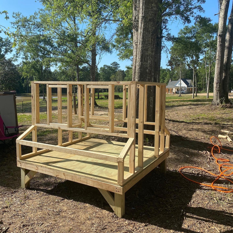DIY Farmhouse Chicken Coop Side Wall Frame