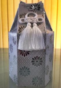 一般的な骨壺カバー