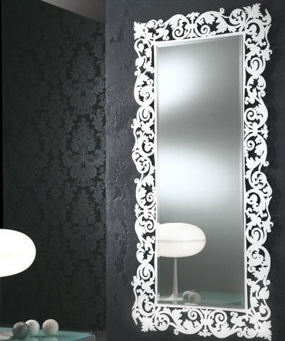 Selective In Choosing Decorative Bathroom Mirrors Home