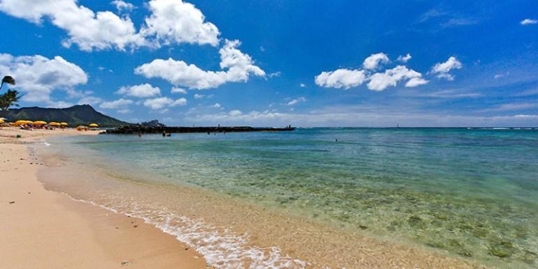 fort derussy beach 1