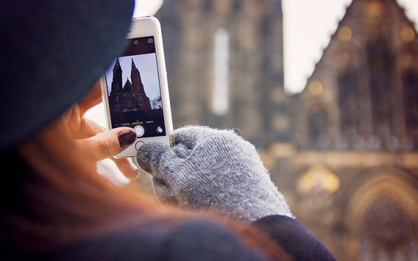 Power of Capturing the Moment in Mobile Devices