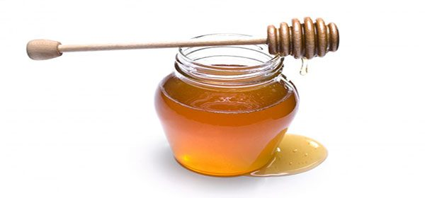 Honey uses to frizzy curly hair
