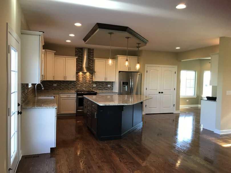 new-homes-joliet-IL-Carmen-kitchen-dining-room