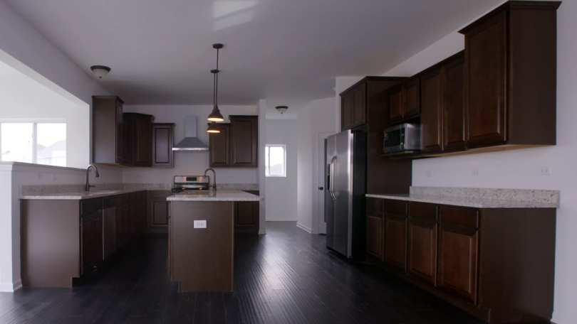 Luxury-Homes-Joliet-IL-Full Kitchen
