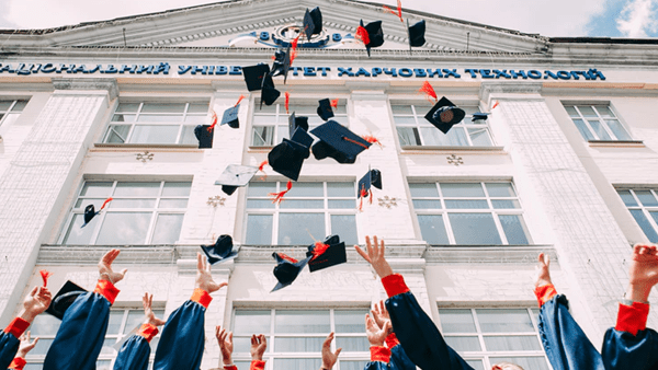 6 Reasons Education is Important to Achieve Professional Goals