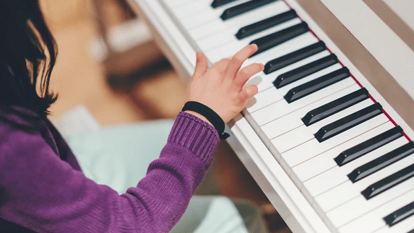 Helping Kids Enjoy Piano Through Jazz – And Boosting Academic Progress Too  By HST