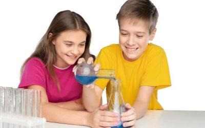 Choosing a Homeschool Science Curriculum