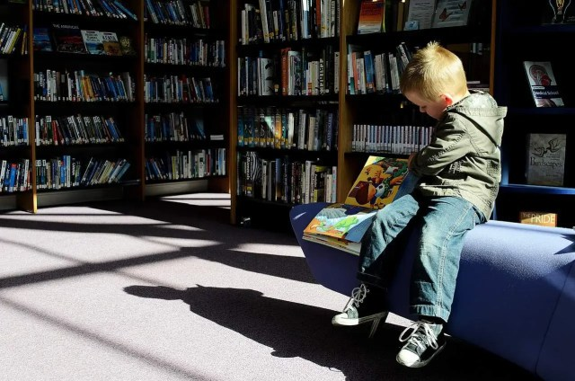 How to Encourage Reading for Children - Go to the library