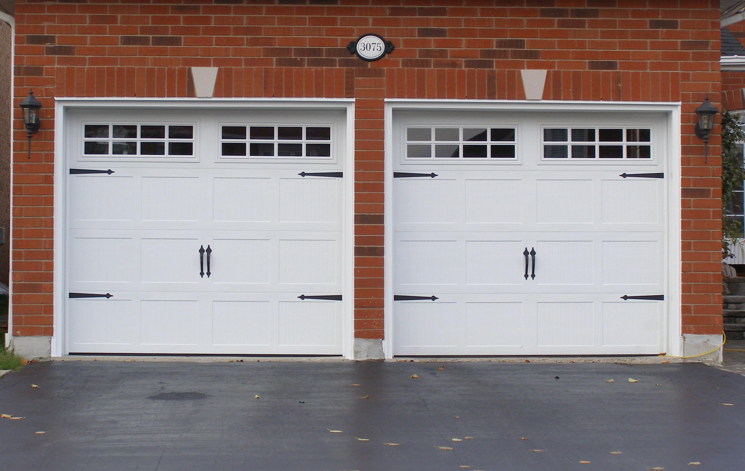 Creative Design of Garage Door for Modern Homes  HomesFeed