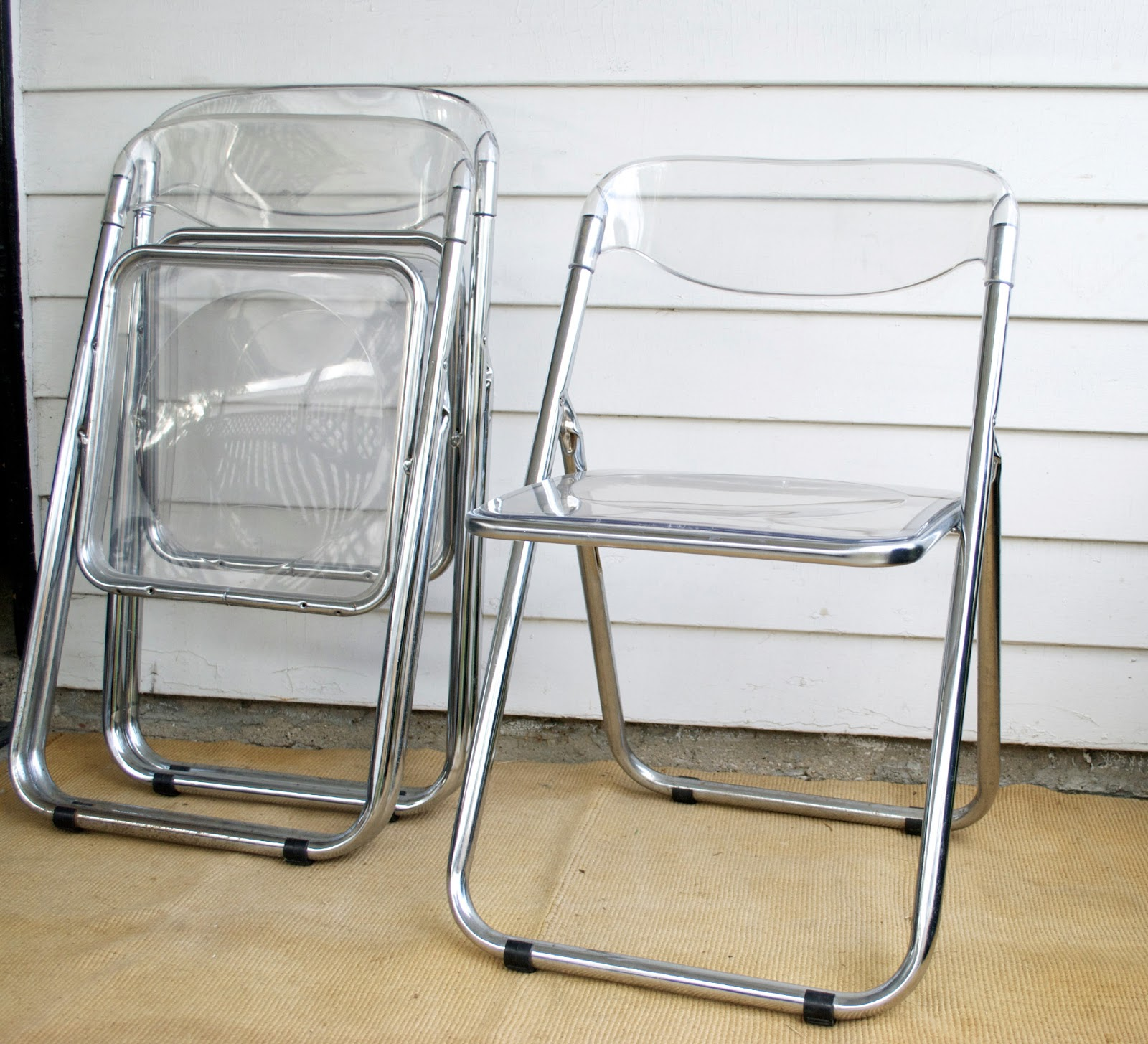 Lucite Folding Chairs Lucite Folding Chairs Afford Extra Comfort And Space