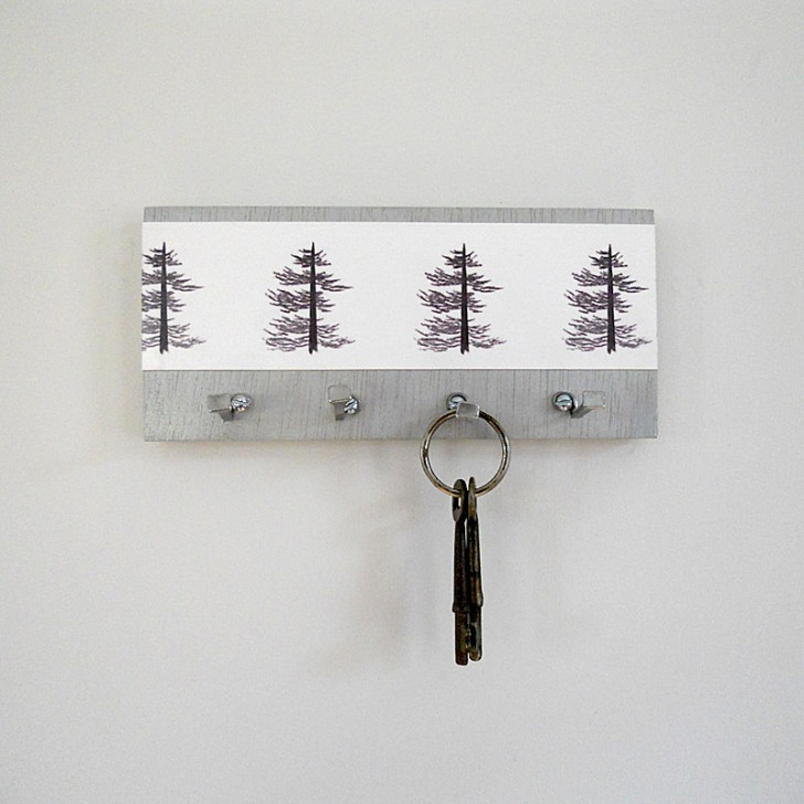 Adorable Simple Creative Key Holder Design for Wall
