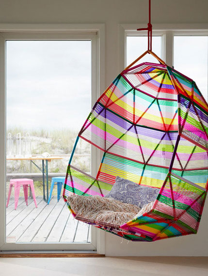 hanging kids chair pink desk uk 10 coolest chairs for homesfeed a rainbow hang with decorative pillow