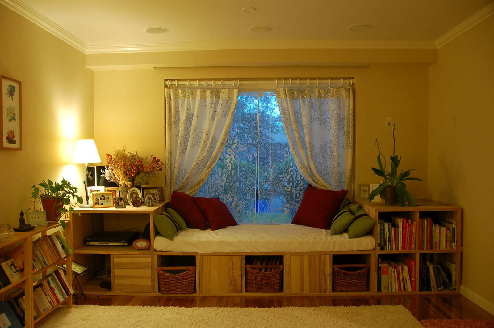 Under Window Bookcase Compact And Stunning Storage For Your Precious Book Collections HomesFeed