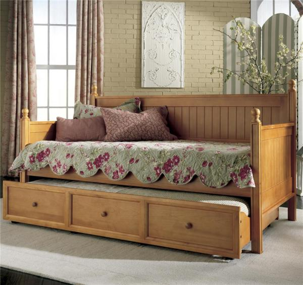 Of Comfy And Lovely Daybeds Invite