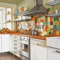 Colorful Backsplash Tiles for Kitchens | HomesFeed