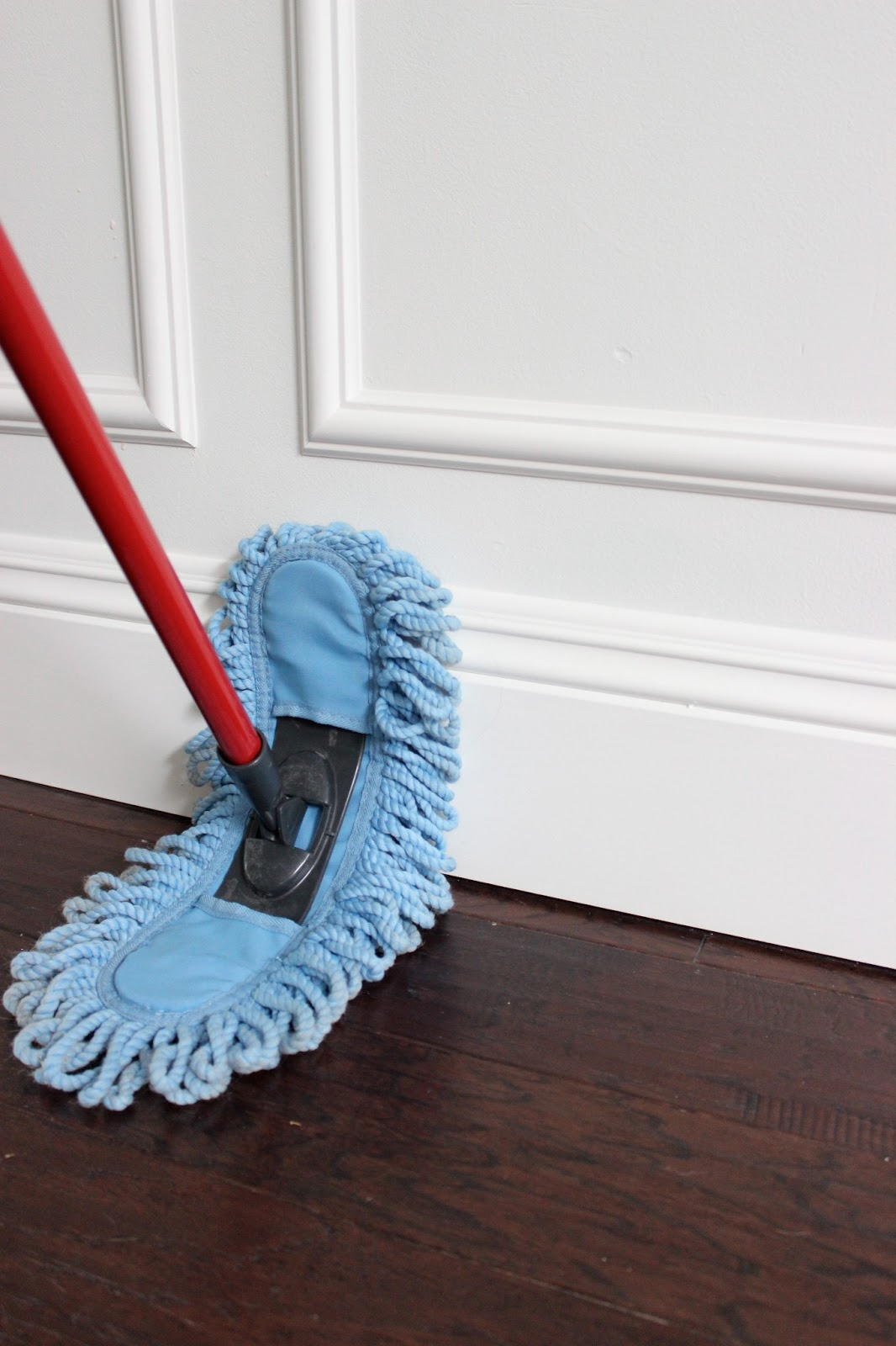 Lets Choose the Best Thing to Clean Hardwood Floor with Great Result without Regret  HomesFeed