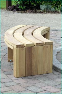 Curved Wooden Bench for Garden and Patio