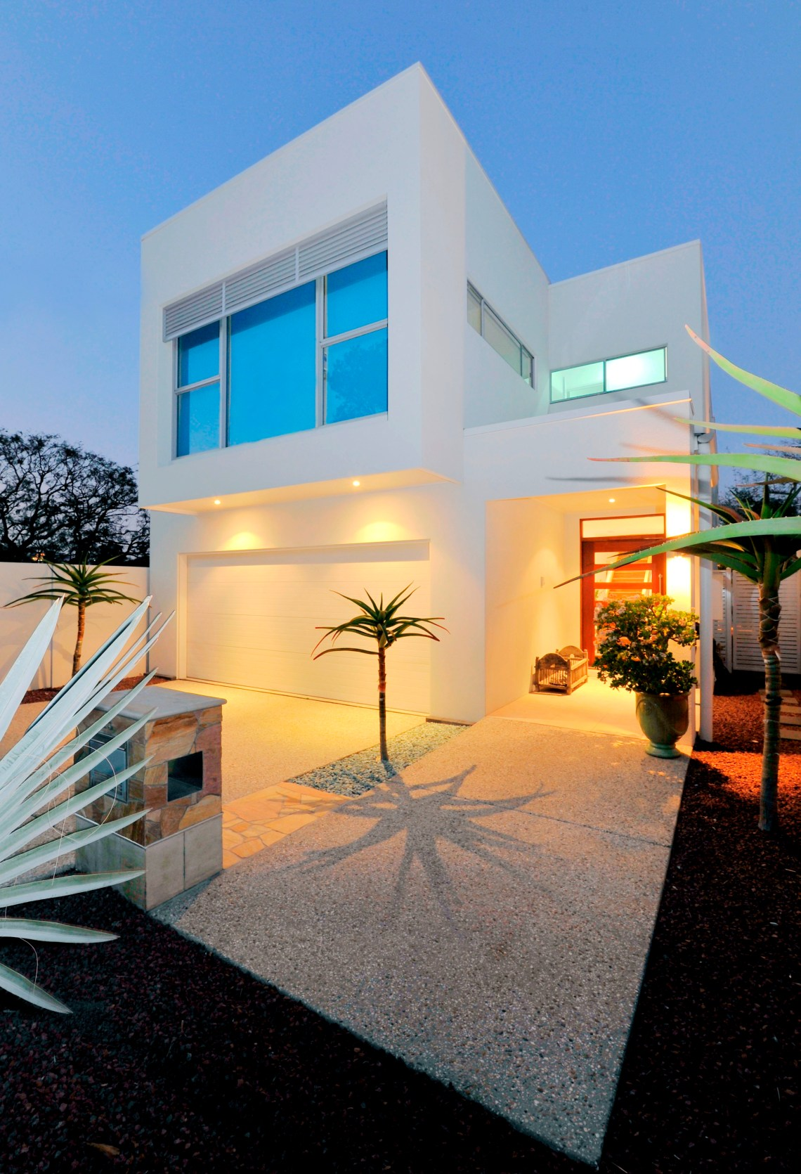 Small Lot House Plan Idea - Modern Sustainable Home ...