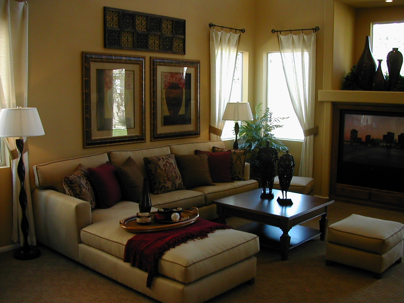 Couches for Small Living Rooms  HomesFeed