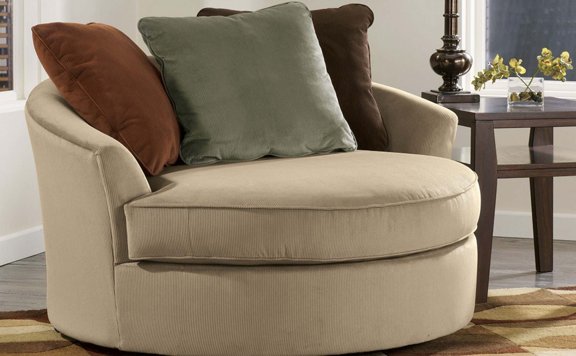 Oversized Accent Chair  Gives Luxurious Touch  HomesFeed