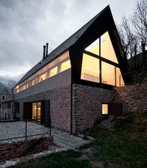 Mountain Modern House Designs