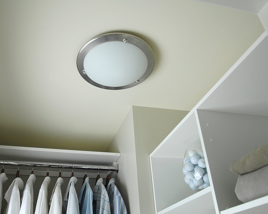 Variants of Lights for Closets
