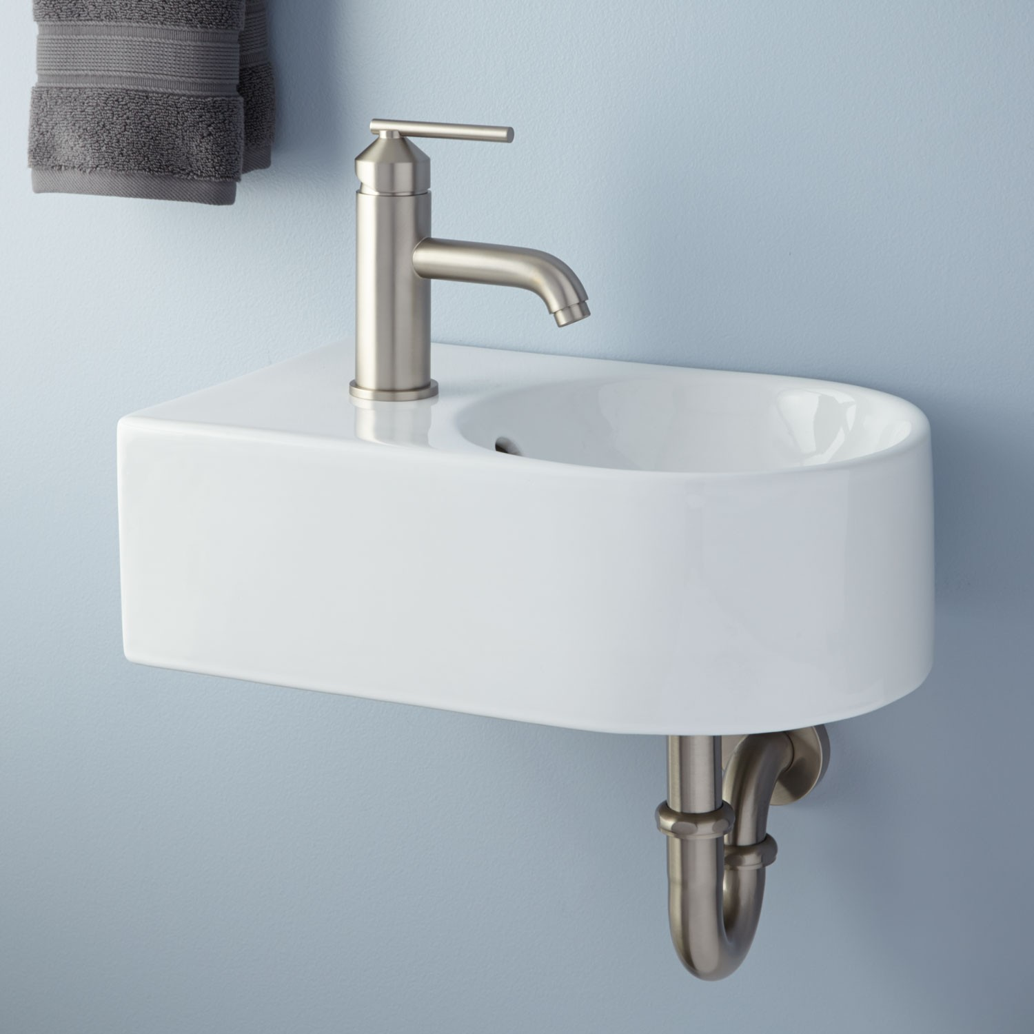 Small Wall Mounted Sink A Good Choice for Space