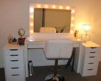 Makeup Vanity Table with Lights | HomesFeed