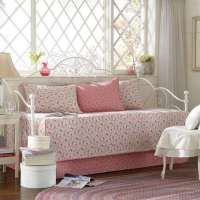 Adorable Bedding for Daybeds | HomesFeed