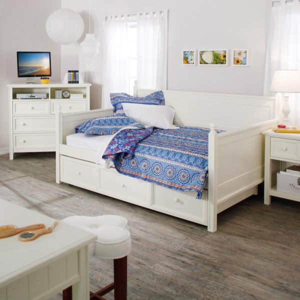 White Full Size Daybed with Storage