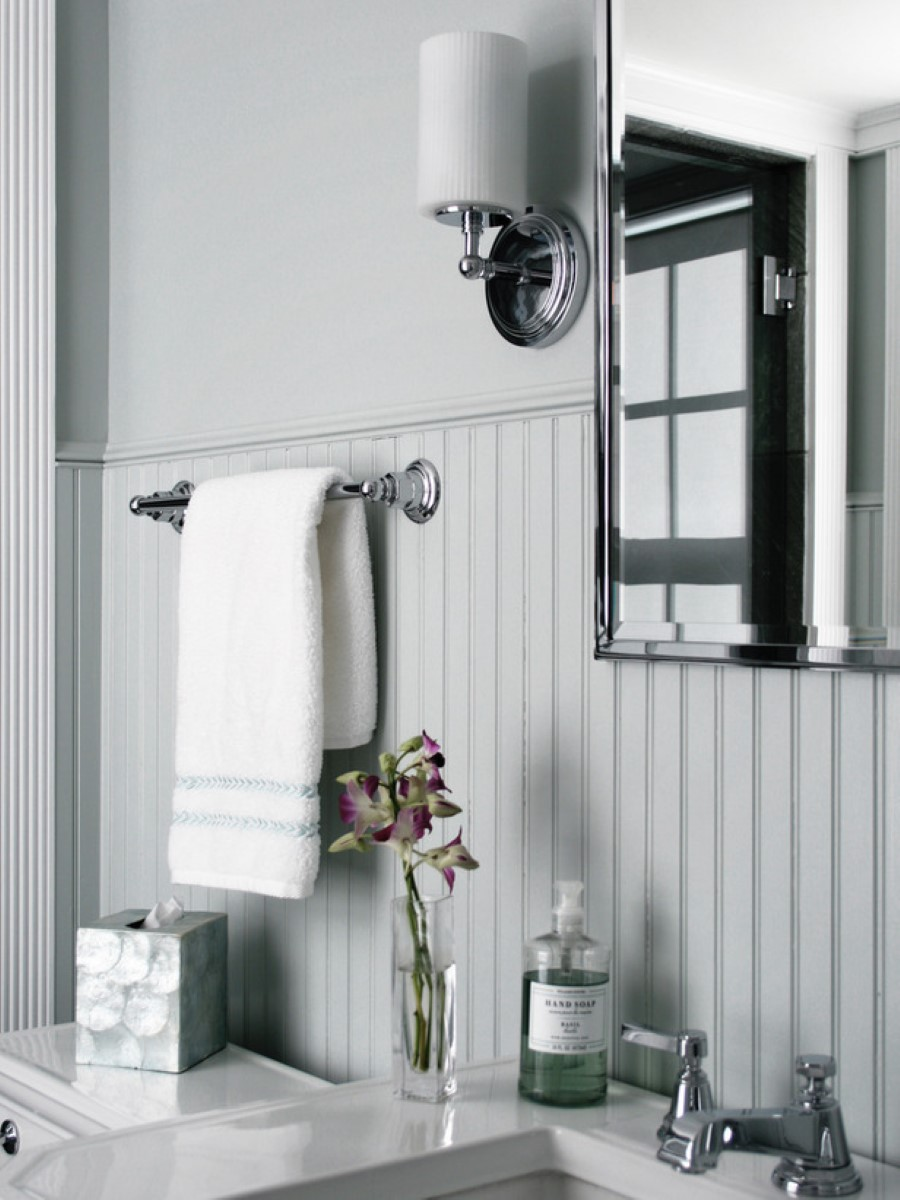Bathroom With Beadboard Classic Style Homesfeed