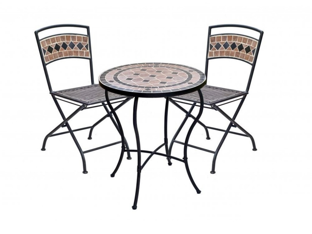 Garden Table And Chairs Get A Nice Spot In Your Garden Or Patio By Decorating An