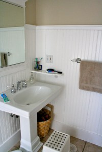 Bathroom with Beadboard  Classic Style | HomesFeed