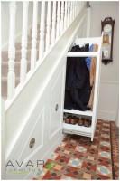 Cupboard Under the Stairs Arrangement – HomesFeed