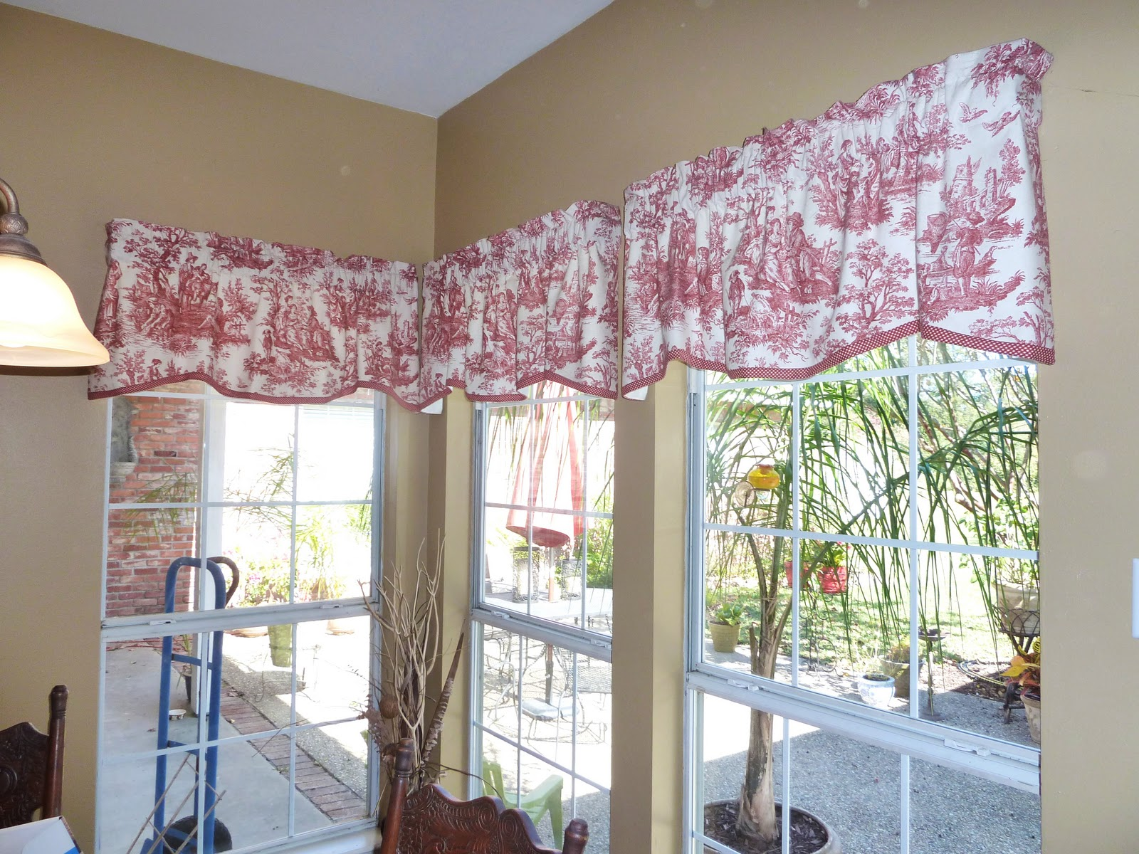 Red Toile Curtains Decorating Ideas