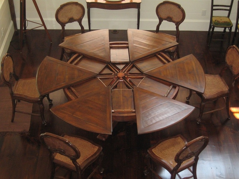 The Great Expanding Round Dining Table