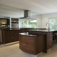 Stylish Kitchen with Two Tier Kitchen Island | HomesFeed