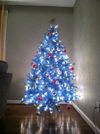 How To Decorate A White Christmas Tree In Blue ...