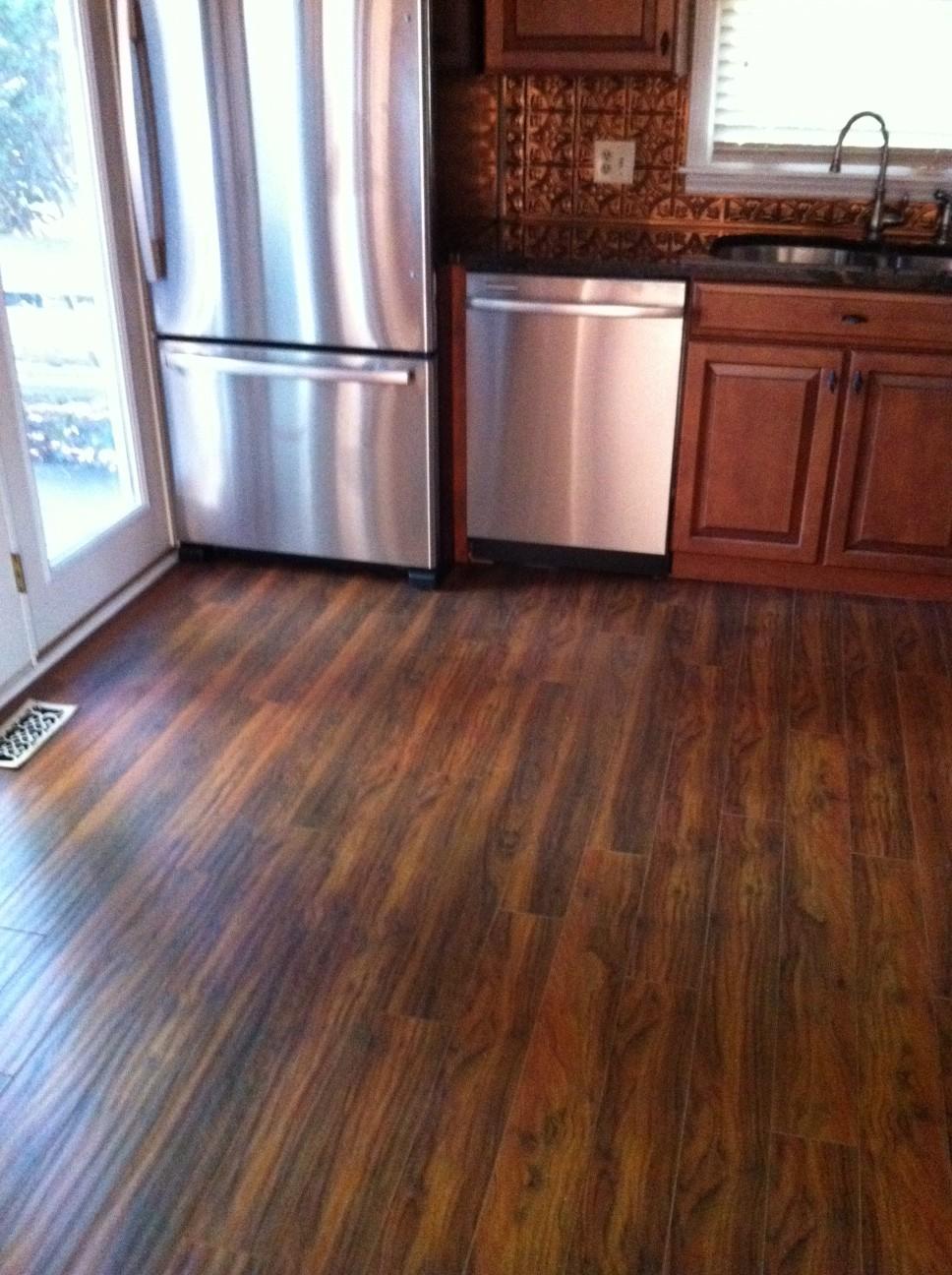 Hardwood floor vs Laminate The Pros and Cons  HomesFeed