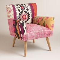 How to Cheer the Interior with Pink Accent Chair | HomesFeed