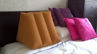 Amazing Pillows For Sitting Up In Bed | HomesFeed
