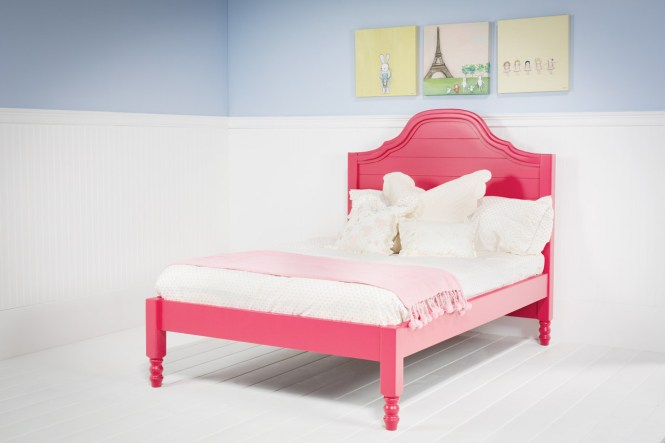 Pretty Pink Bed Frame In Full Size For Toddler