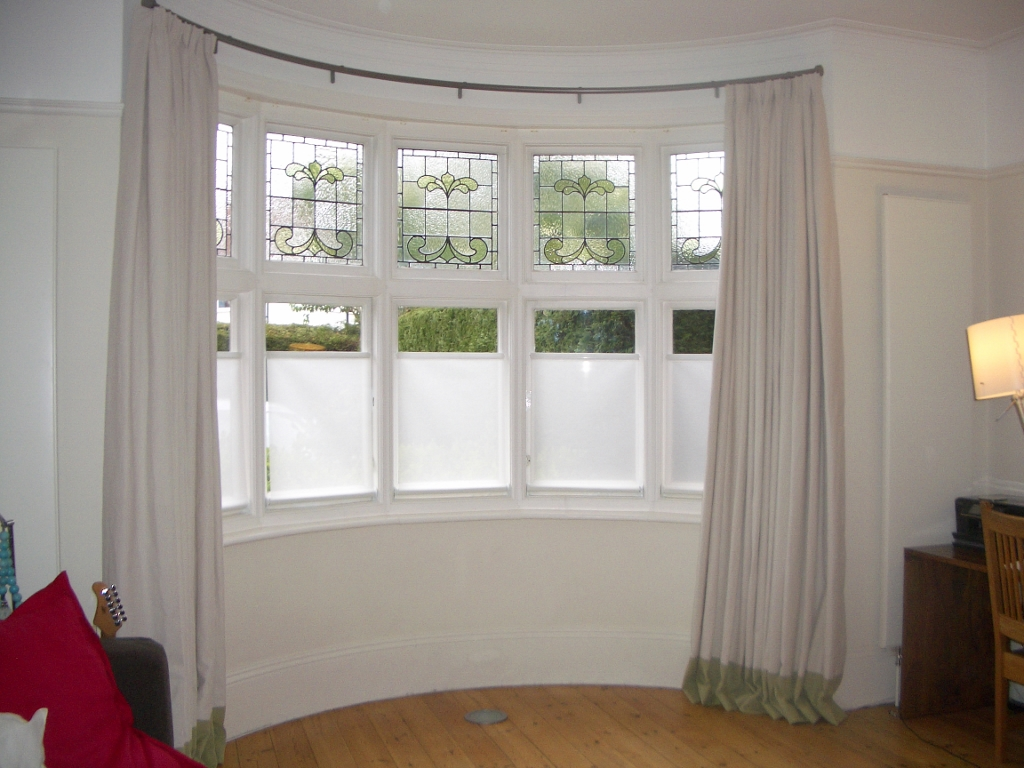 How To Solve The Curtain Problem When You Have Bay Windows