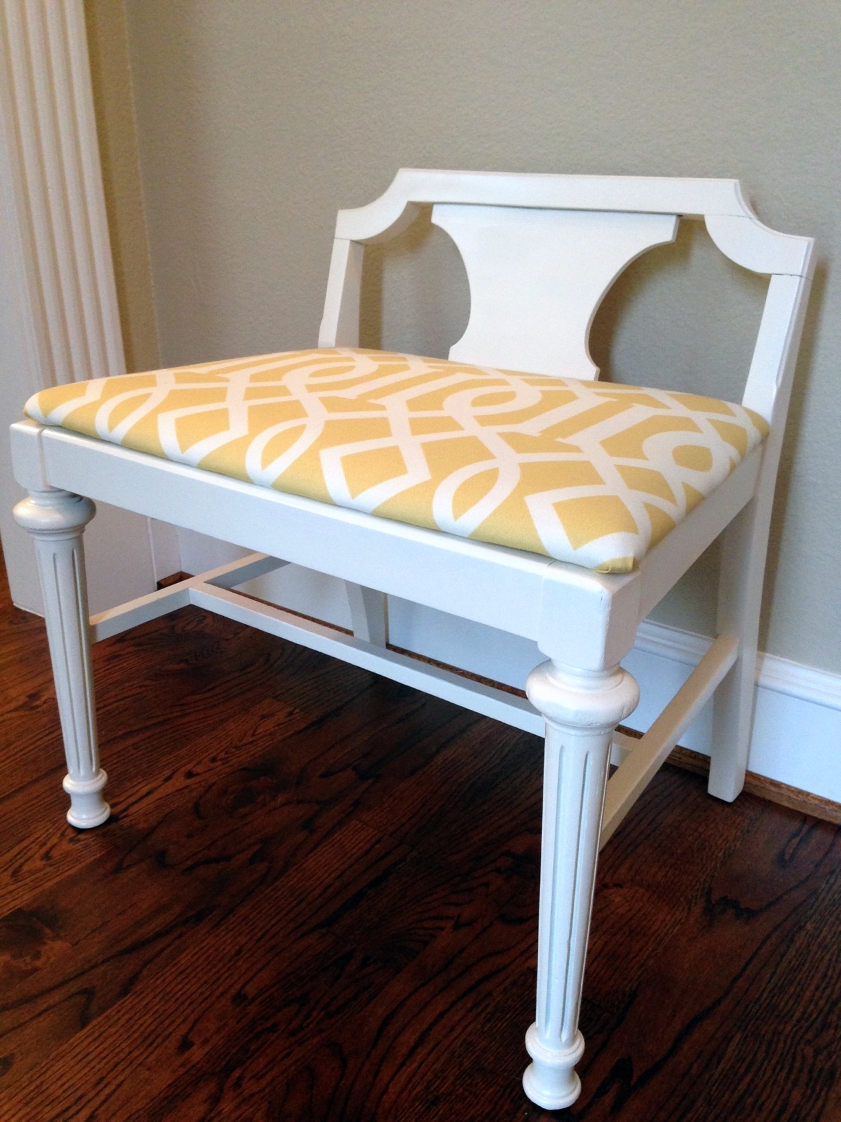 More Designs Of Vanity Bench Seat For Bedroom Vanity