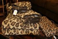 Perfect Animal Print Bath Towels   HomesFeed