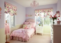 Pretty Pink Chandelier For Girls Room | HomesFeed