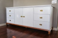 White Lacquer Media Console | HomesFeed